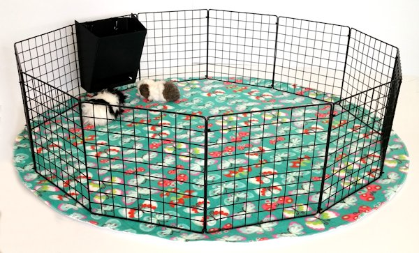 Piggy Play Pen Amp Mat Piggybedspreads Com Fleece Cage